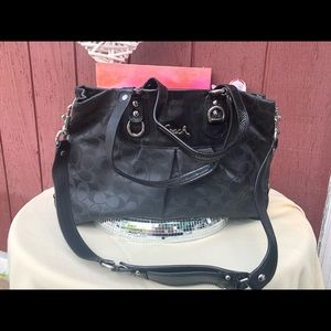 F15510 Lg Coach shoulder hobo black bag